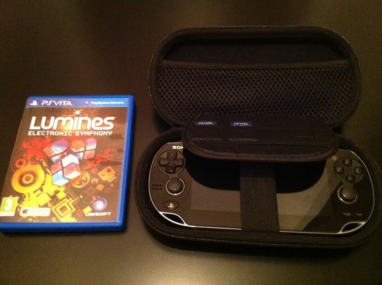 Lumines + Housse PS Vita