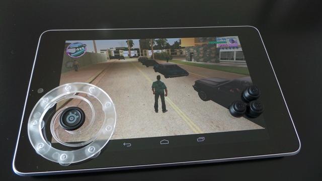 Le SteelSeries Free Touchscreen sur la Nexus 7