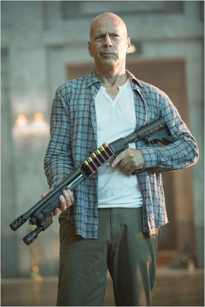 Typique des McClane, l'artillerie lourde est toujours une priorité.
