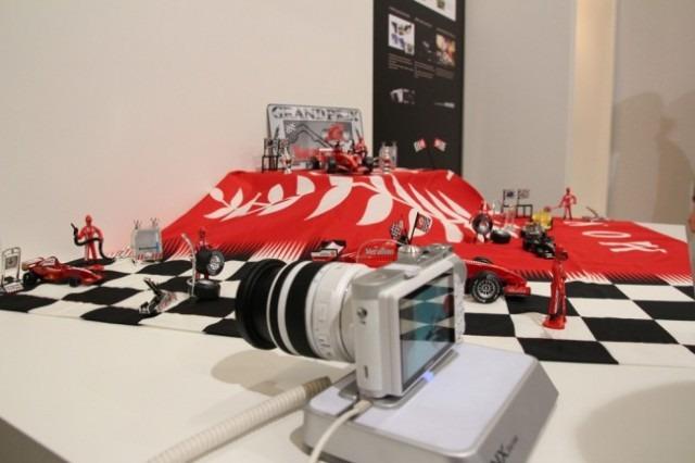 Le NX 300 est capable de prendre des photo et des vidéos HD 1080p en 3D