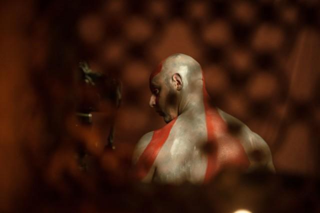 Oui Kratos est une coquette qui aime se repoudrer de cendres avant d'apparaître